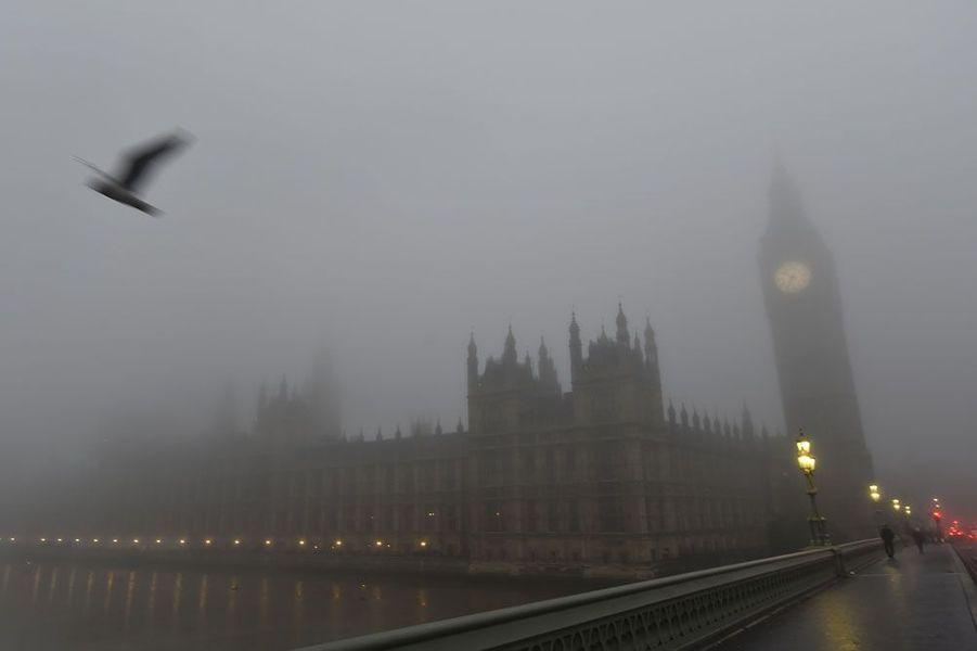 Londres est noyée dans un épais brouillard