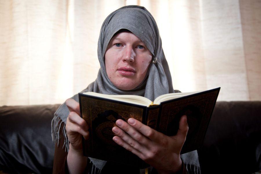 """Lucy, ancien soldat et """"première musulmane transsexuelle"""""""