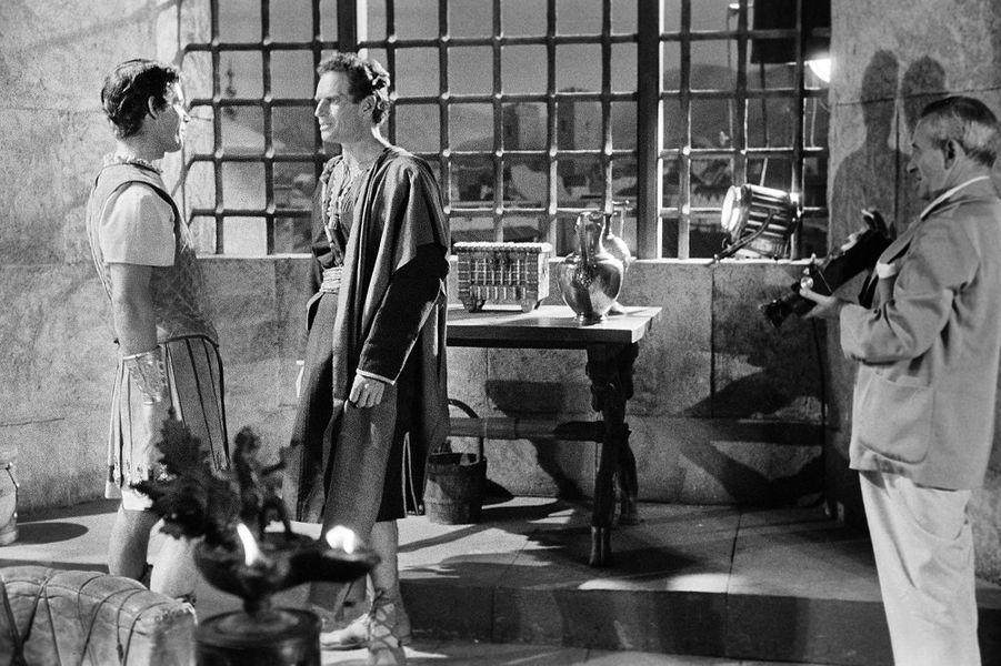 Stephen Boyd, Charlton Heston et William Wyler.