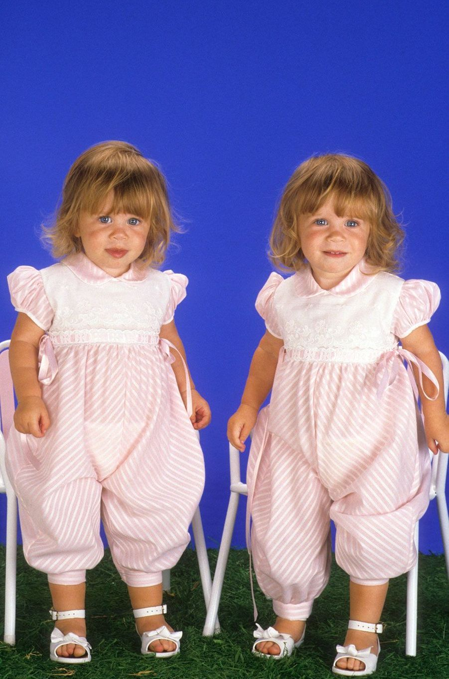 Mary-Kate et Ashley Olsen en 1988