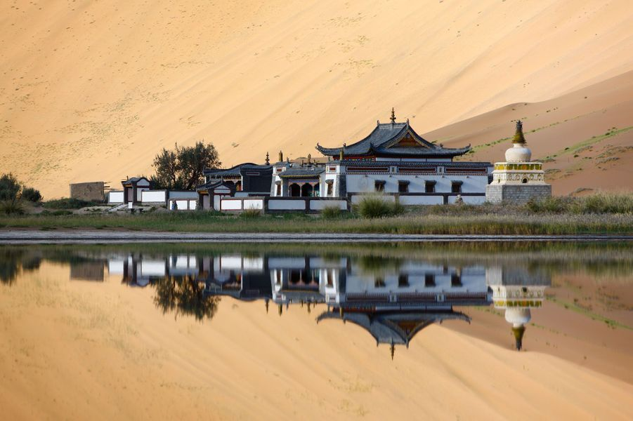 Temple à Badain Jaran