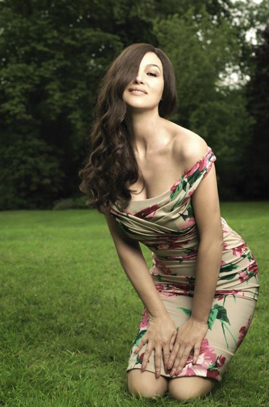 En juin 2012, Monica Bellucci sur le tournage du film «Des gens qui s'embrassent»