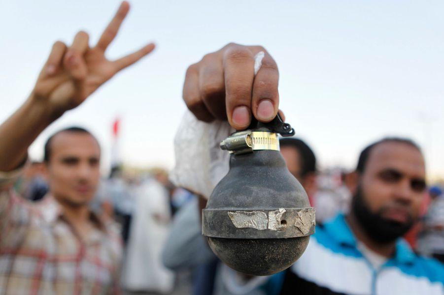Morsi destitué, ses partisans dans la rue