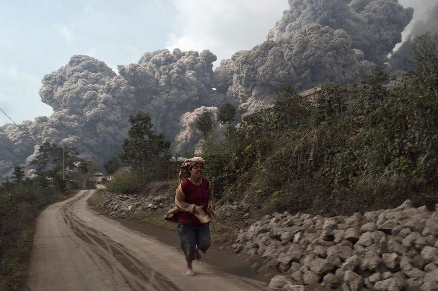 Mortel mont Sinabung