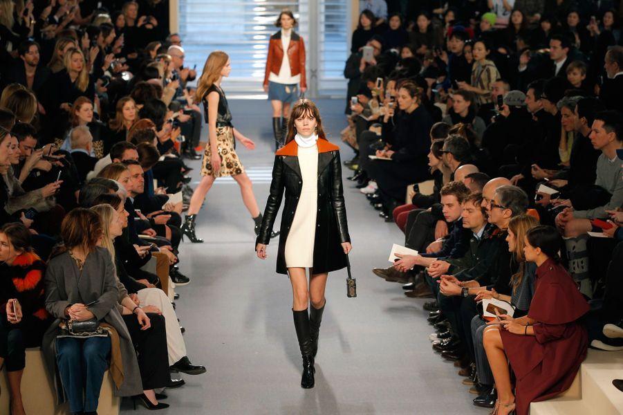 Nicolas Ghesquière présente son premier défilé chez Vuitton