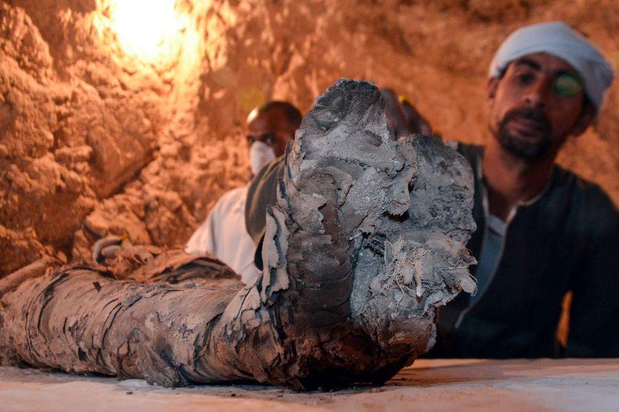 La momie découverterenfermerait un haut responsable du Nouvel Empire.