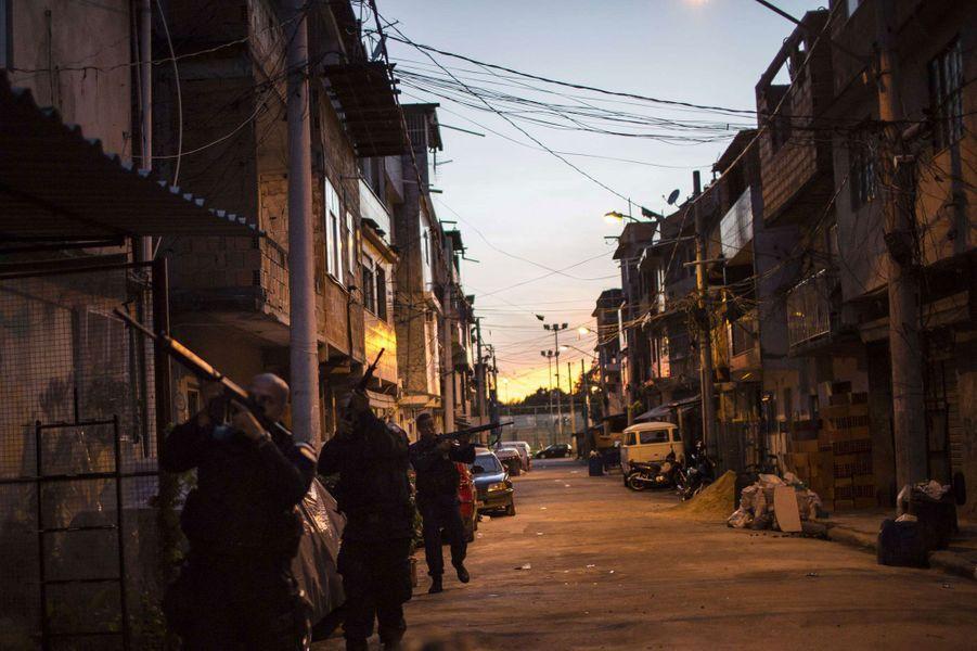 Opération spéciale dans les favelas