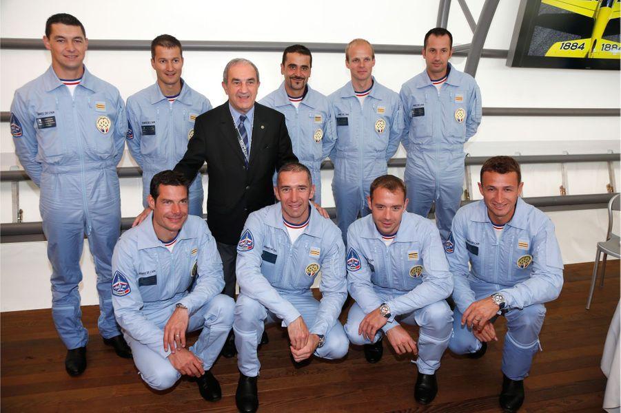 La Patrouille au complet avec Jean Gachassin, président de la FFT.