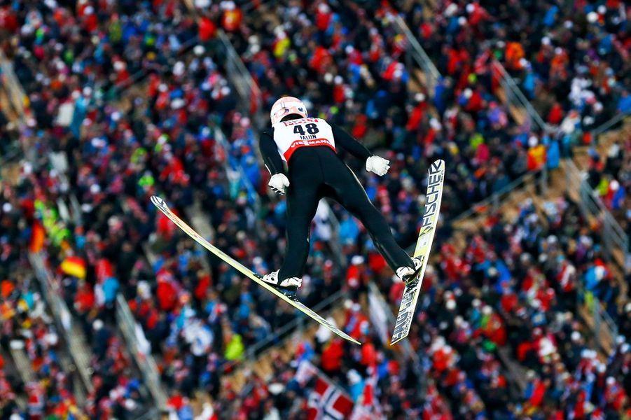 Le saut de l'AllemandSeverin Freund ,aux Mondiaux de Falun, vu d'un autre angle.