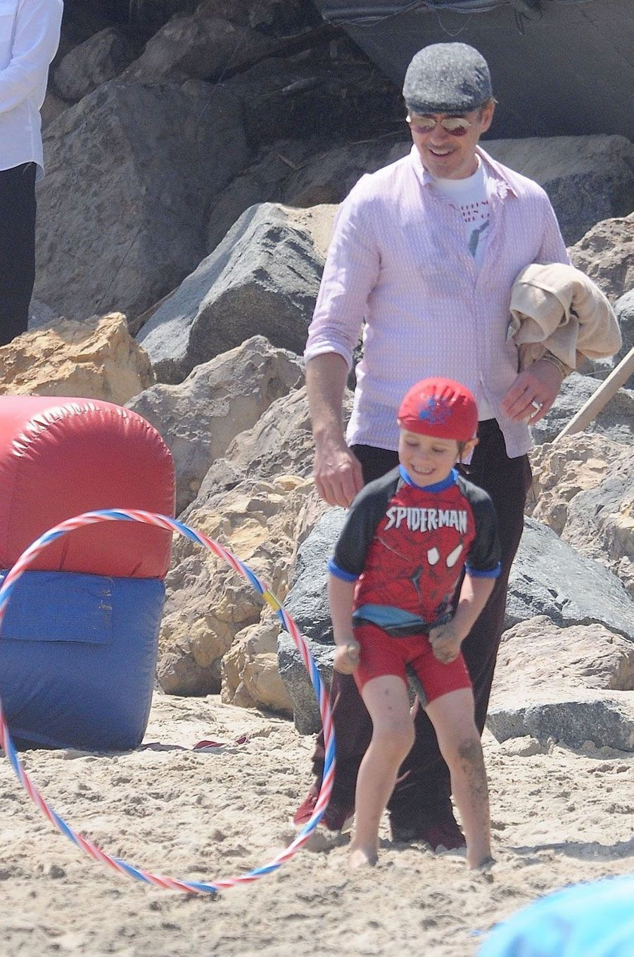 Robert Downey Jr et son fils Exton Elias pour le Memorial day à Malibu, mai 2016
