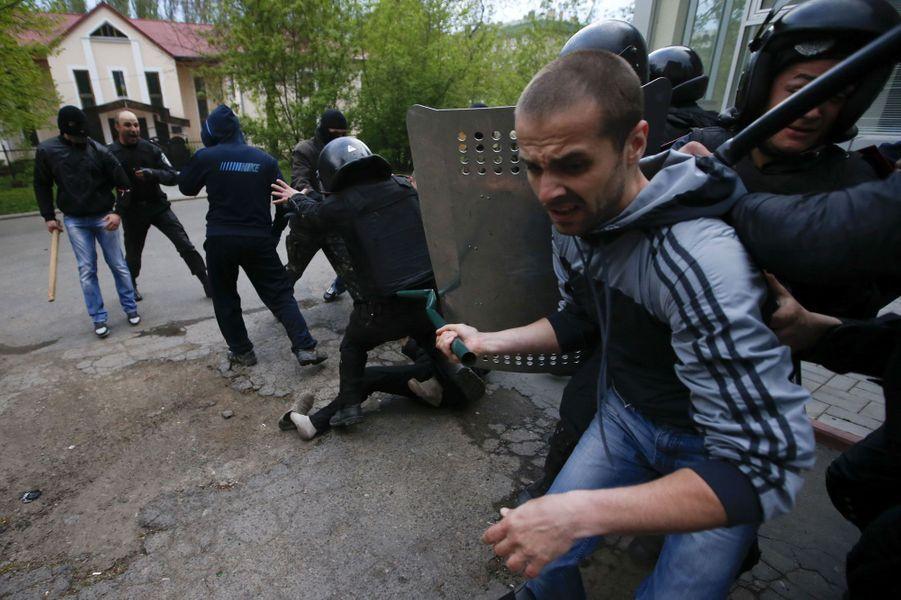 Tensions accrues dans l'est de l'Ukraine