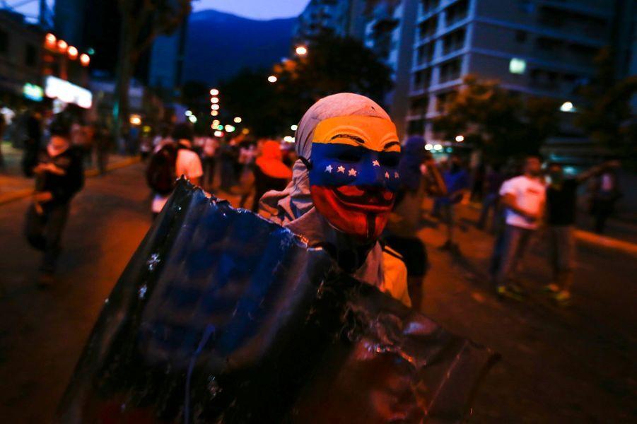 Les manifestants ne lâchent rien