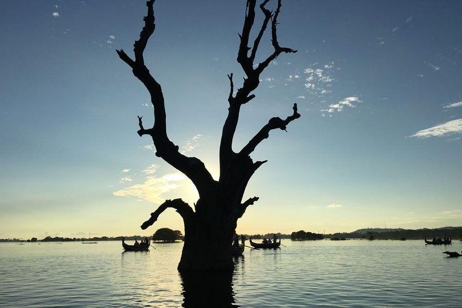 Christiane Amanpour – CNN : « Le soleil se couche dans le calme ». Birmanie