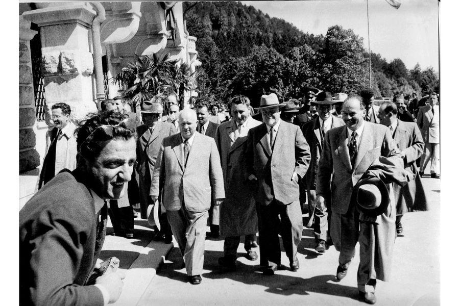 Belgrade, 1955. Aux premières loges pour photographier la rencontre historique de Tito avec Khrouchtchev et Boulganine.