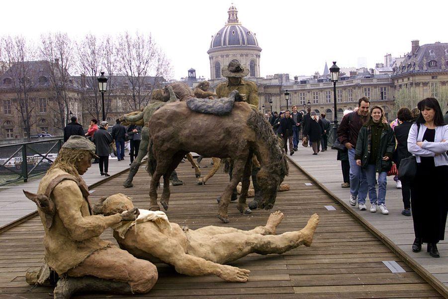 Les Sculptures D'Ousmane Sow, Exposées Sur Le Pont Des Arts À Paris En Mars 1999 4