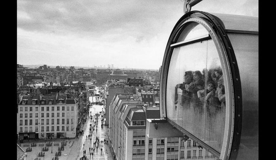 1997 : sur le toît du Centre national d'art et de culture Georges Pompidou.
