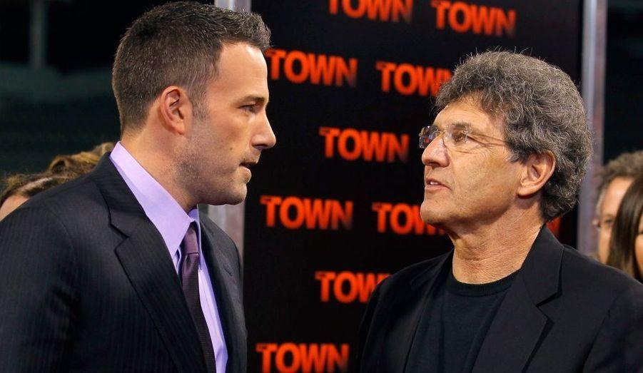Ben Affleck discute avec Ala Horn, le président de Warner Brothers.