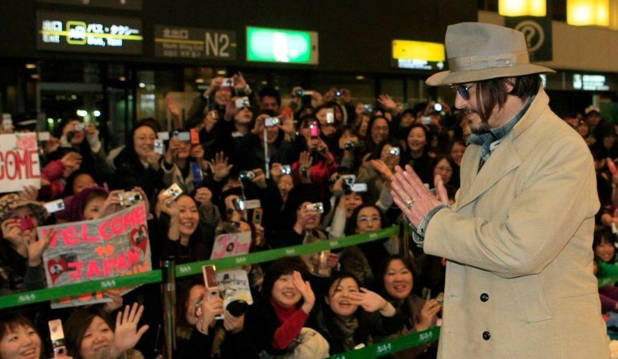 Son arrivée était des plus attendues. Johnny Depp est arrivé à Tokyo pour la présentation officielle de Public Enemies, de Michael Mann.
