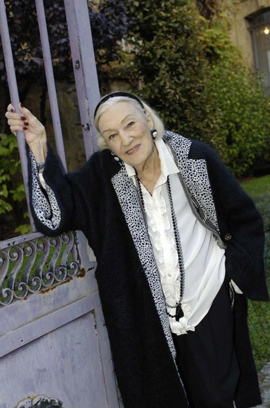 """Hélène Duc à Sarlat en 2005 pour dédicacer son livre """"Entre Cour et Jardin"""""""