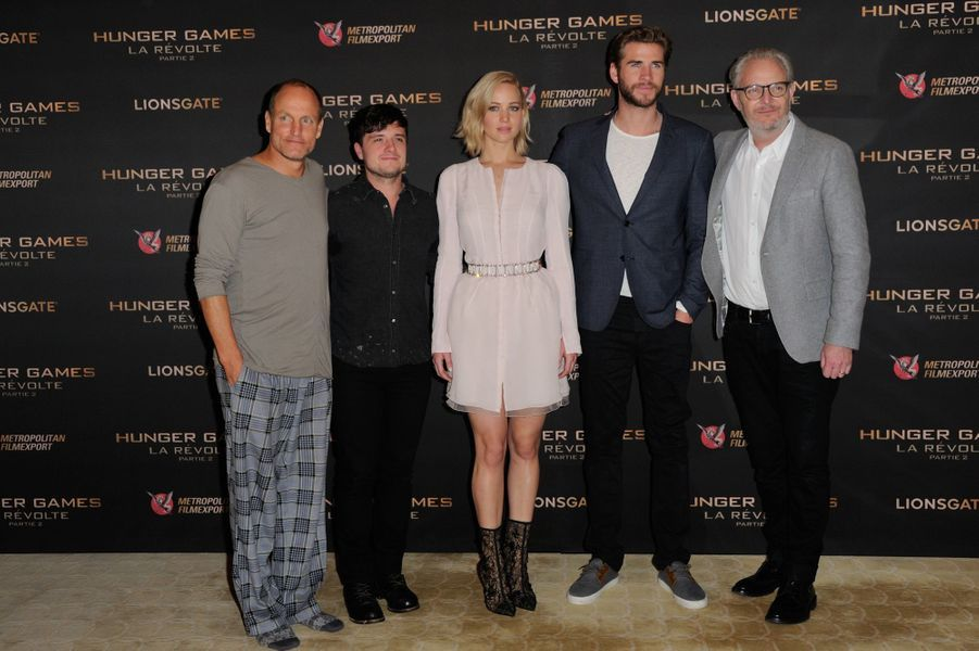 Woody Harrelson, Josh Hutcherson, Jennifer Lawrence, Liam Hemsworth et Francis Lawrence
