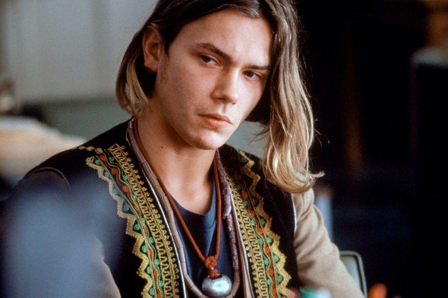 Le jeune homme est mort à 23 ans d'une overdose le 31 octobre 1993, avant de pouvoir terminer le tournage de «Dark Blood». Dix-neuf ans plus tard, le film est finalement sorti sur les écrans. Pour combler le manque de certaines scènes, le réalisateur a utilisé une voix-off. «Dark Blood» a été présenté hors-compétition au 63ème Festival de Berlin en février dernier.