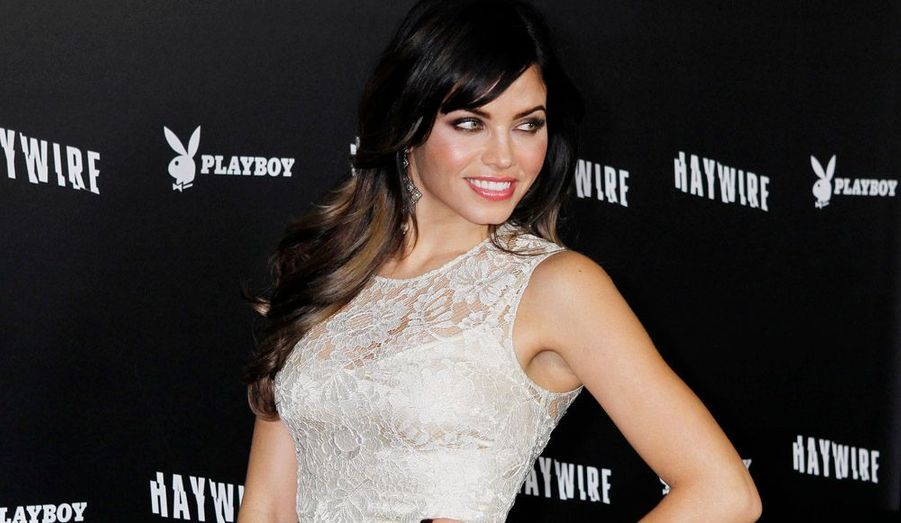 La belle Jenna Dewa sans son mari.