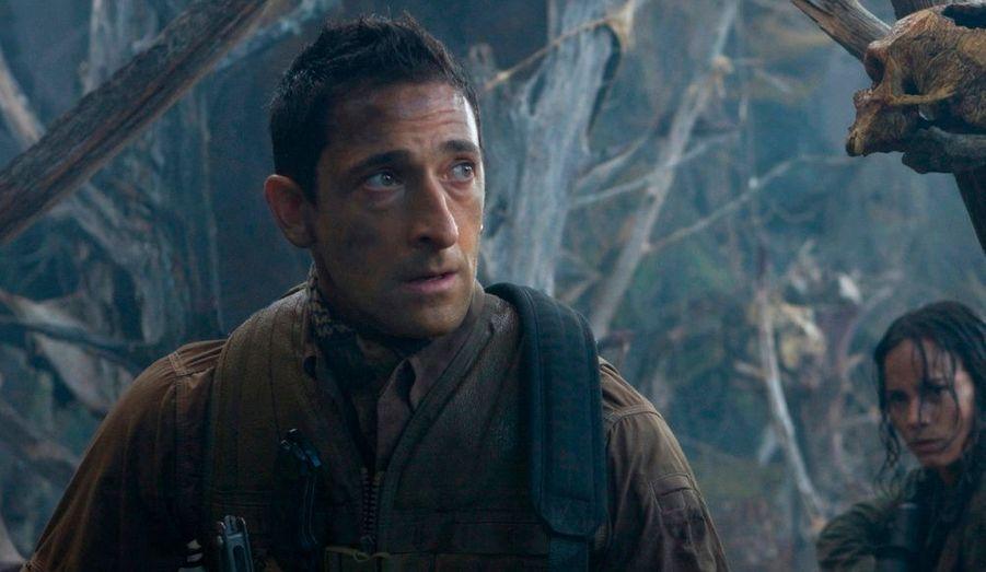 """Dans """"Predators"""" de Robert Rodriguez, l'acteur américain joue Royce, un mercenaire qui se retrouve dans un endroit inconnu avec d'autres tueurs implacables de son espèce. Ils vont alors devoir survivre face à une nouvelle génération de Predators extraterrestres. Le film est dans les salles depuis le 14 juillet."""