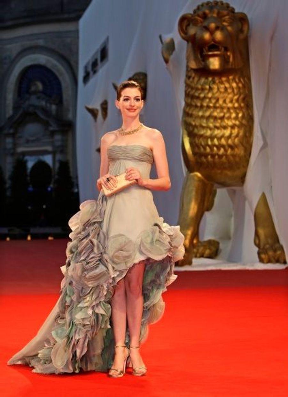 """L'actrice américaine arrive sur le tapis rouge du Festival de cinéma de Venise en 2008. L' étoile représente le film """"Rachel se marie"""", nominé dans la compétition à la Mostra."""