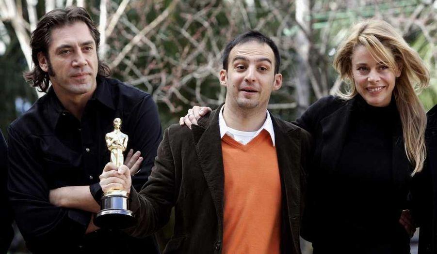 En 2004, Mar adentro d'Alejandro Amenábar marque un tournant dans sa carrière. Javier y joue un homme tétraplégique depuis un accident de jeunesse, qui se bat pour le droit de mourir. Le film obtient l'Oscar du meilleur film étranger, le même Golden Globe, mais aussi 14 Goya dont celui du Meilleur acteur et de la Meilleure actrice pour sa collègue Lola Dueñas.