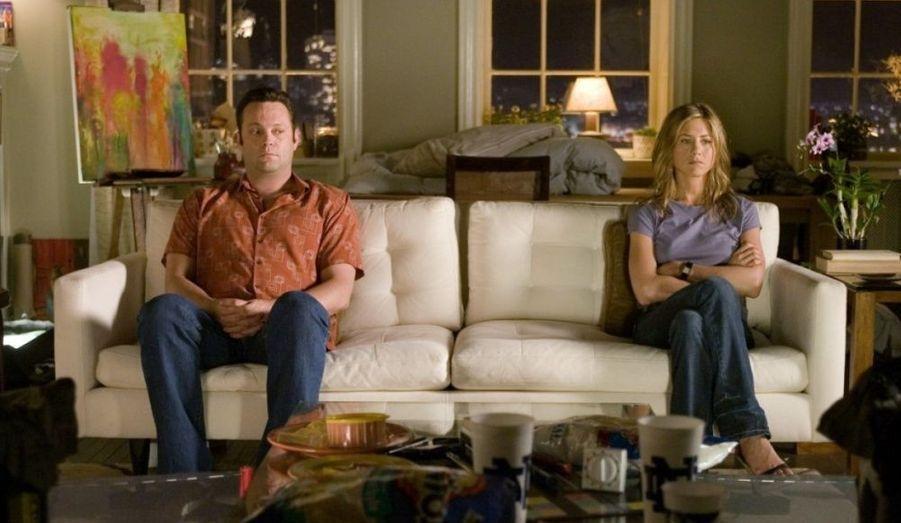 Résonnant tel un écho à sa vie sentimentale, l'actrice joue dans «La Rumeur court…» de Rob Reiner, «La Rupture» de Peyton Reed avec Vince Vaughn (photo), avant de s'intéresser à l'argent dans la comédie «Friends With Money», réalisée par Nicole Holofcener.