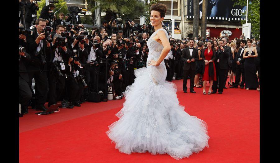 """En mai 2010, celle qui a été élue l'année précédent """"Femme la plus sexy du monde"""" par le magazine Esquire, est membre du jury du Festival de Cannes, présidé par le réalisateur américain Tim Burton."""