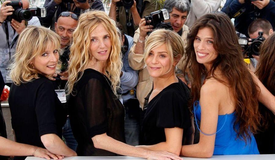 Maïwenn avec les actrices Karine Viard, Sandrine Kiberlain et Marina Fois, lors du Festival de Cannes.