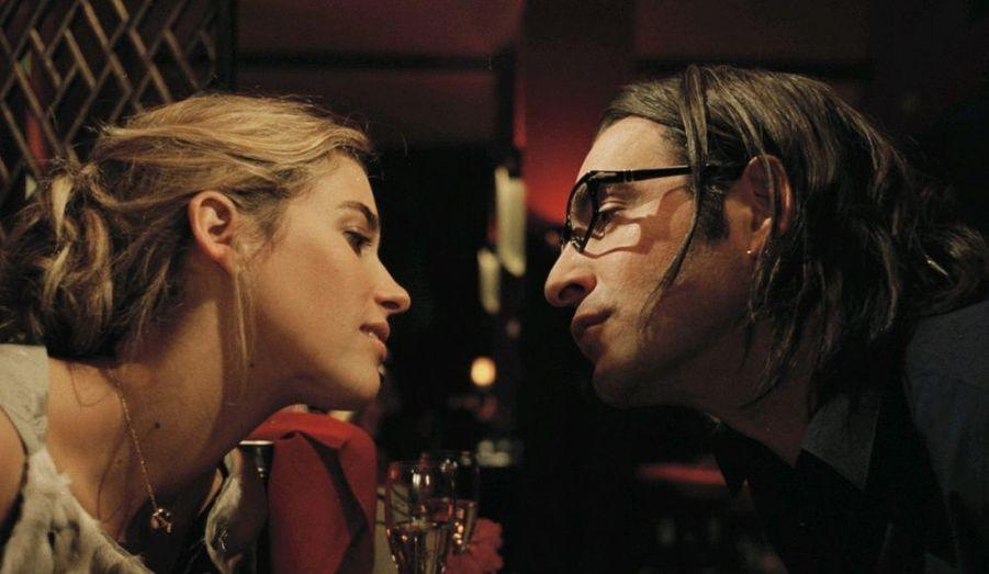 En 2007, elle est aux côtés de Jean Dujardin et Elisa Tovati dans le déjanté 99 francs. Elle incarne Sophie, la plus belle des employées de l'agence publicitaire d'Octave (joué par Jean Dujardin).