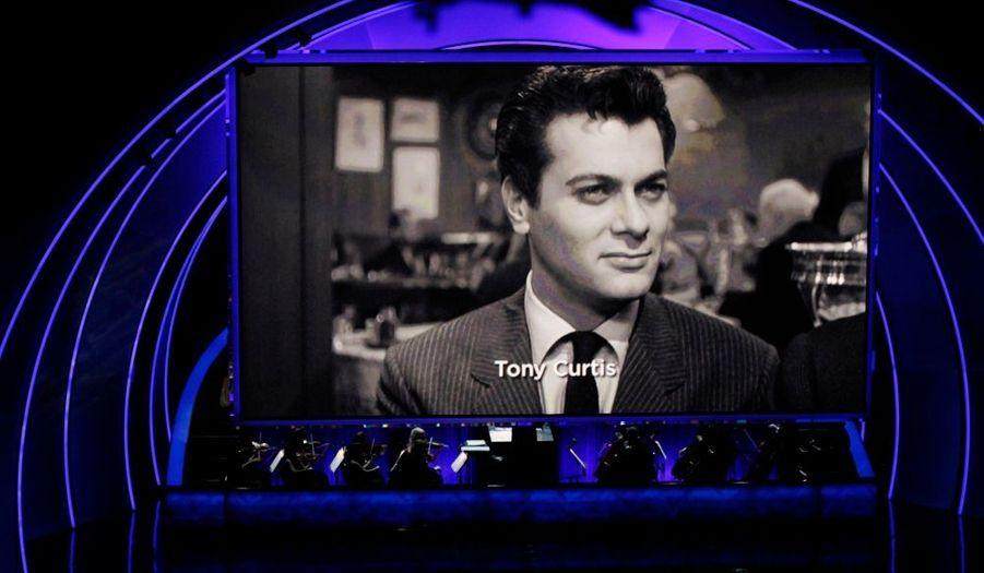 Présentateur mythique de la cérémonie, l'acteur s'est invité au show.