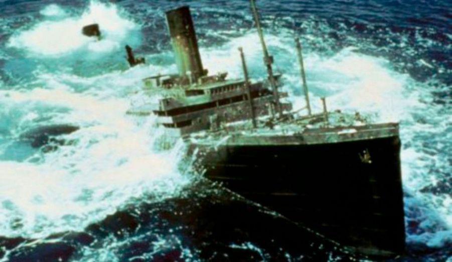 """Cette superproduction de Jerry Jameson a coulé à pic : le film n'a rapporté que 7 millions de dollars pour un budget de 40 millions ! Quant à l'accueil critique, il a été tout aussi désastreux. """"Raise the Titanic!"""" a même reçu le premier Golden Raspberry Award du pire film de l'année 1980."""