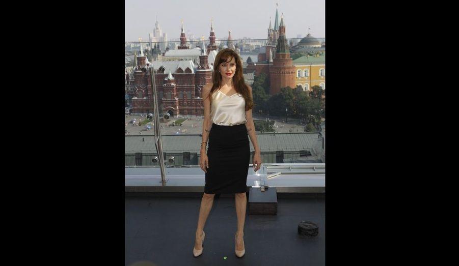 """Le 25 juillet, l'héroïne de la saga Tom Raider assurait la promotion de Salt dans la """"ville rouge"""""""