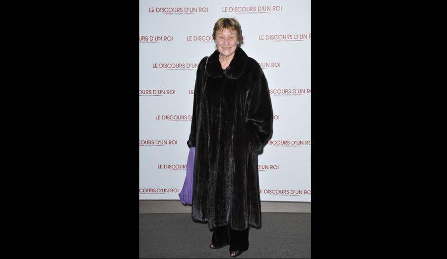 Marisa Bruni-Tedeschi, la mère de notre première dame de France, a foulé le tapis avant de se rendre à la projection. Pianiste concertiste et actrice italienne, elle a joué notamment dans Actrices de Valeria Bruni-Tedeschi en 2007.