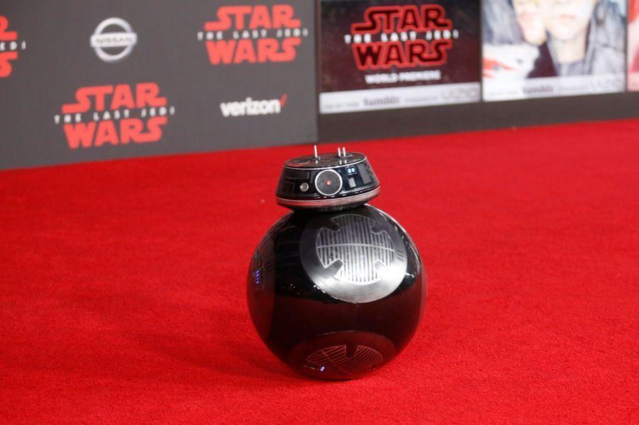 """Star Wars : Les Derniers Jedi"", La Première Mondiale En Photos    2"