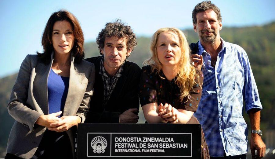 """Les acteurs Aure Atika et Eric Elmosnino, la réalisatrice Julie Delpy et le producteur Michael Gentile sont venus présenter leur film """"Le Skylab"""" au Festival du film de San Sebastian, où il est en compétition."""
