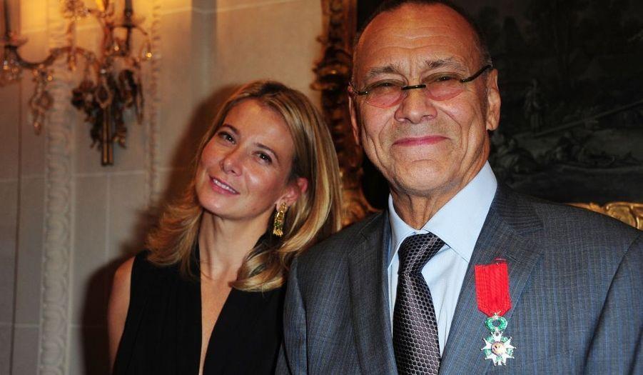 """Le cinéaste russe Andrei Konchalovsky a été fait Chevalier de la Légion d'honneur, hier, à l'Hôtel Bristol, à Paris. Le réalisateur de """"Riaba ma poule"""" était accompagné de son épouse, Yuliya Vysotskaya."""