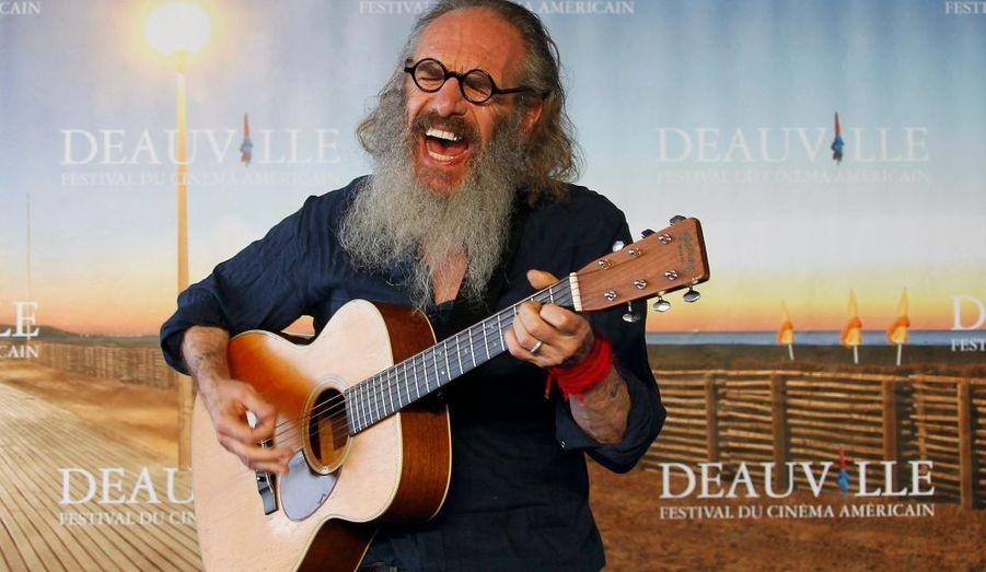 """On peut être réalisateur et guitariste: la preuve avec Tony Kaye, metteur en scène anglais qui présentait son dernier film, """"Detachment"""", en compétition lors du Festival de Deauville."""