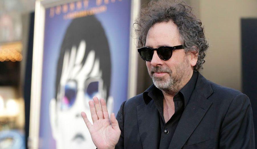 """Tim Burton présentait son nouveau long métrage, """"Dark Shadows"""", aux côtés de Johnny Depp et d'Eva Green, au cinéma Grauman's Chinese d'Hollywood, à Los Angeles."""