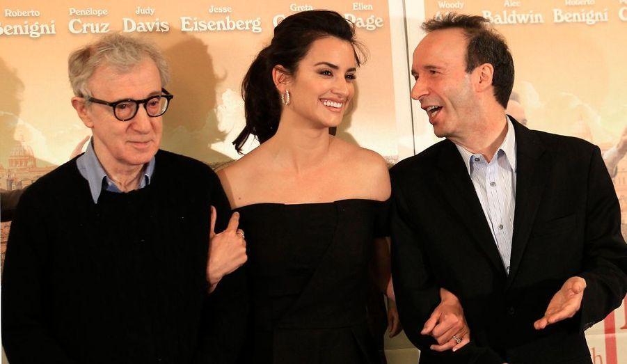 """Woody Allen, Penélope Cruz et Roberto Benigni ont assisté à l'avant-première du dernier film du cinéaste new-yorkais, """"To Rome with Love"""", à Rome en Italie."""
