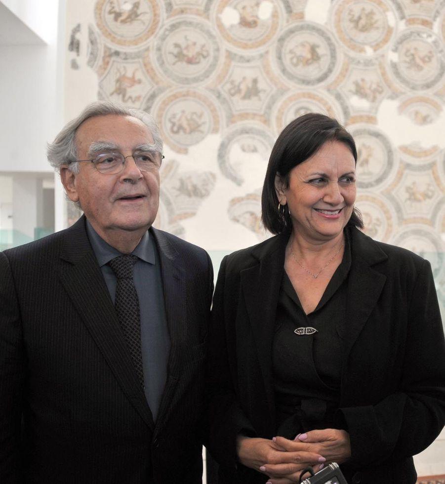 Bernard Pivot et la ministre de la Culture tunisienne Latifa Lakhdhar