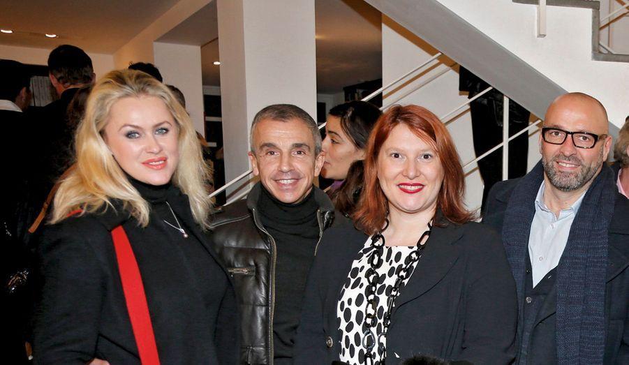 Vlada Krassilnikova et l'équipe du Moulin-Rouge.