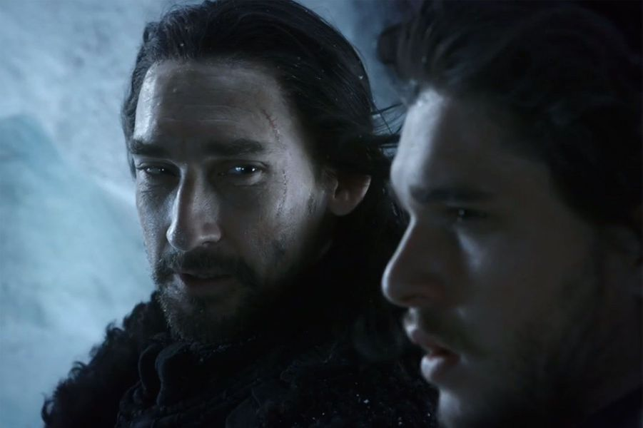 Benjen Stark, le frère de Ned Stark, est porté disparu depuis la saison 1 avant de réapparaître dans la sixième