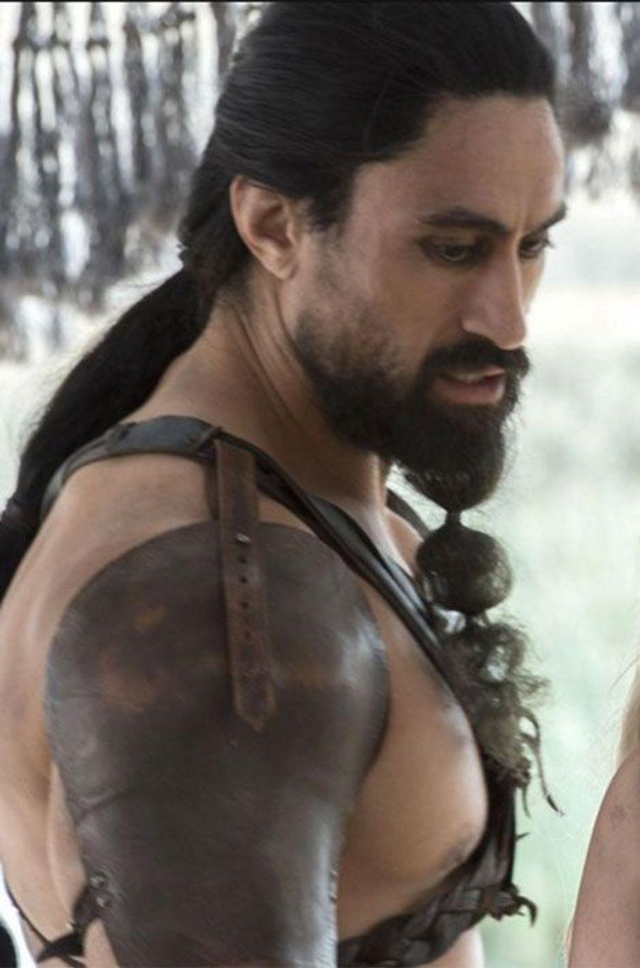 Khal Moro (Joe Naufahu), chef dothraki qui retient Khaleesi captive