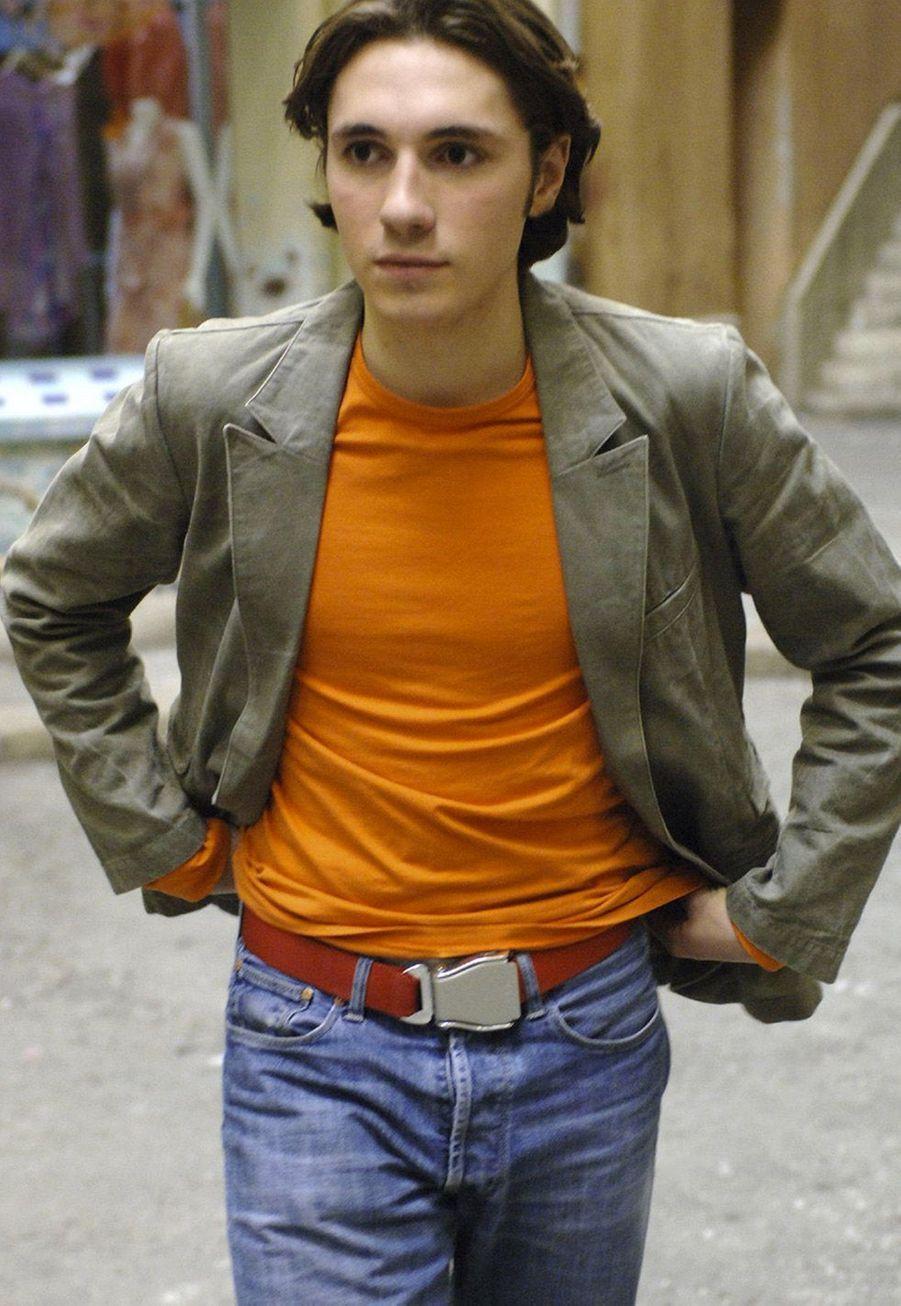 Geoffrey Sauveaux a interprété Lucas Marci dans «Plus belle la vie» durant deux saisons (2004-2006). Depuis 2008, il incarne Jérémie Beaumont dans «Une famille formidable».