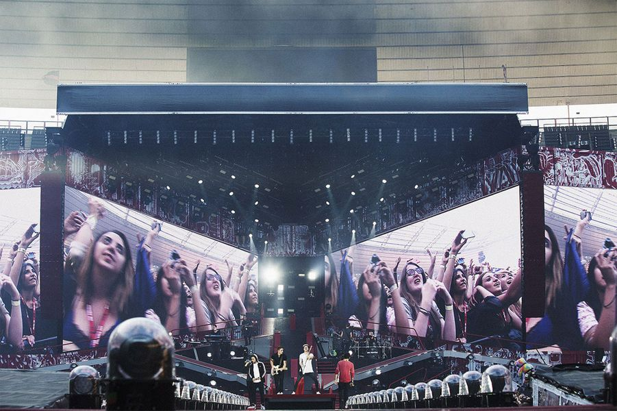 Les One Direction mettent l'ambiance au Stade de France