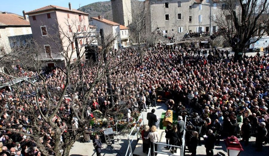 Tous les habitants du village d'Antaigues sur Volane s'était réunis pour rendre hommage à Jean Ferrat.